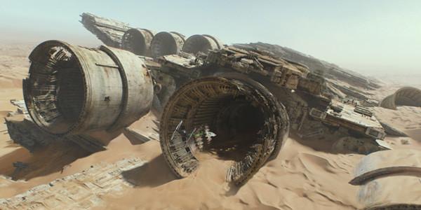 Star-Wars-The-Force-Awakens-Star-Destroyer-Super-600x300